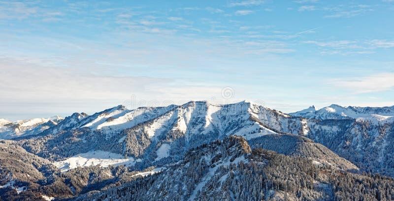Vistas do maciço nevado de Schoener Mann de Schwarzenberg imagem de stock royalty free