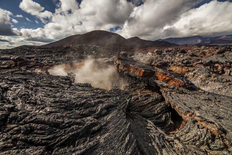 Vistas dramáticas del paisaje volcánico imagen de archivo libre de regalías