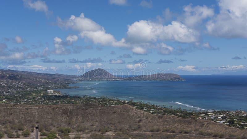Vistas elevados de Diamond Head, um monumento do estado da cratera do vulcão dormente, na ilha de Oahu, Honolulu, Havaí, EUA imagem de stock