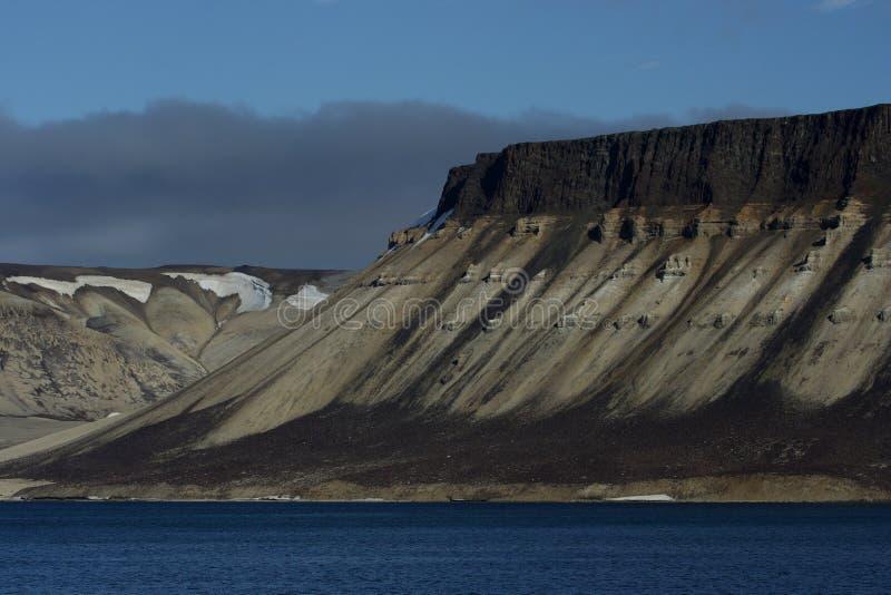 Vistas em torno de Svalbard imagem de stock royalty free