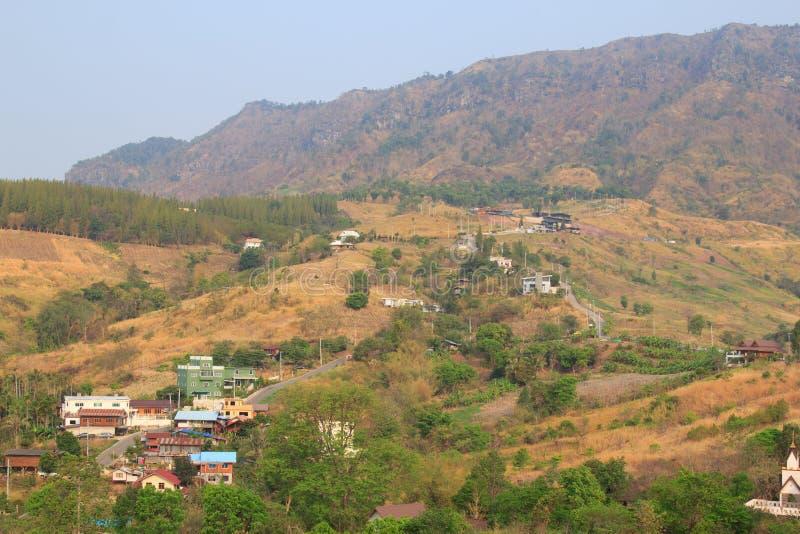 Vistas em torno do templo do phasornkaew de Wat, opinião de A do tem bonito imagens de stock