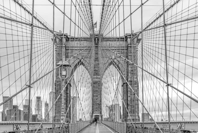 vistas imponentes del puente de Brooklyn, New York City imagenes de archivo