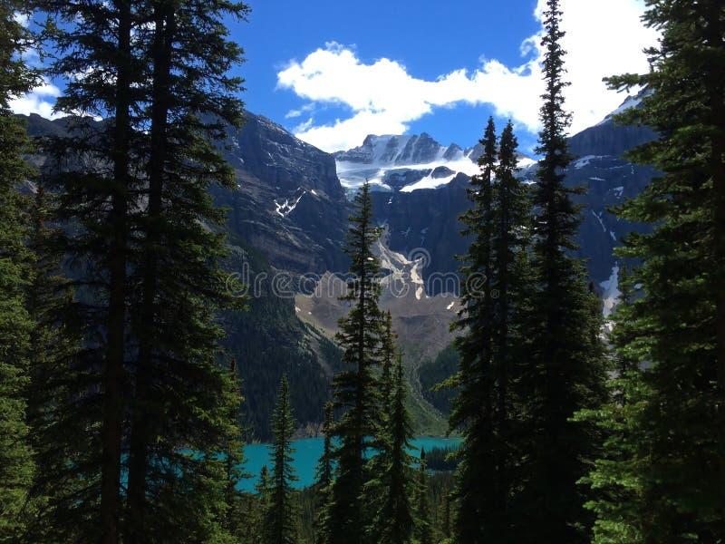 Vistas impresionantes del lago moraine, Canad? imagen de archivo libre de regalías