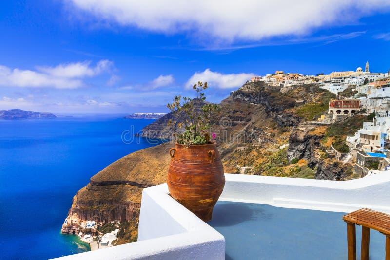 Vistas lindos do caldera na ilha de Santorini Feriados gregos imagens de stock royalty free