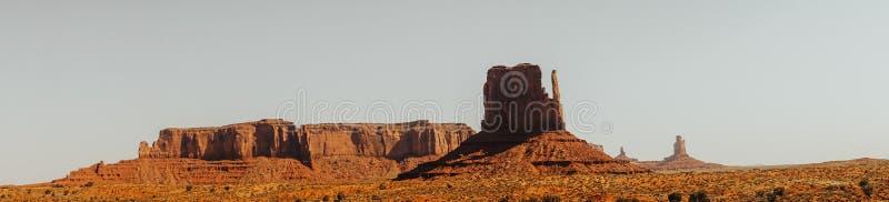 Vistas naturais dos EUA Vale do monumento em Utá e em Arizona imagens de stock
