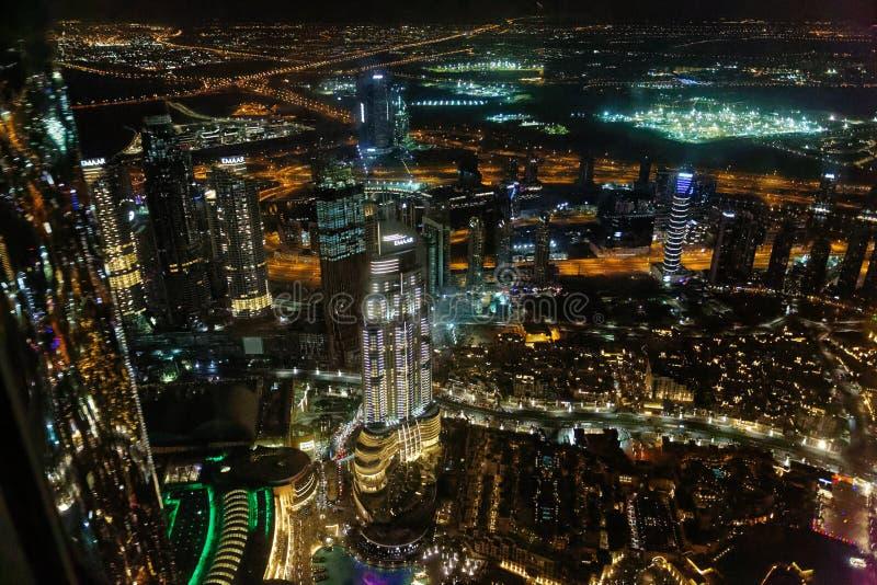 Vistas nocturnas de Dubai de Burj Khalifa, U A e fotos de archivo libres de regalías