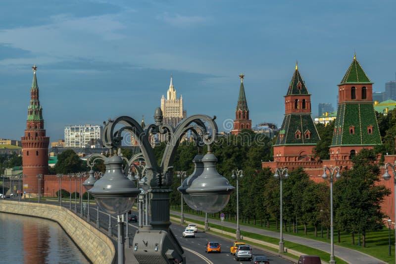 Vistas novas do Kremlin de Moscou fotografia de stock