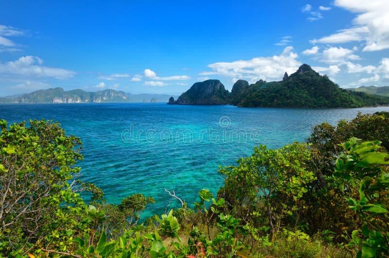 Vistas panorámicas de la isla tropical del EL Nido. Filipinas foto de archivo libre de regalías