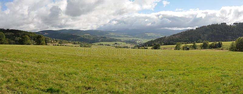Vistas panorâmicas, paisagem Jesenik, Moravia, República Checa, Europa imagens de stock
