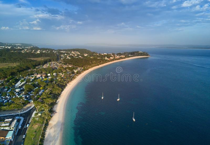 Vistas sobre o porto Stephens da baía do banco de areia foto de stock royalty free