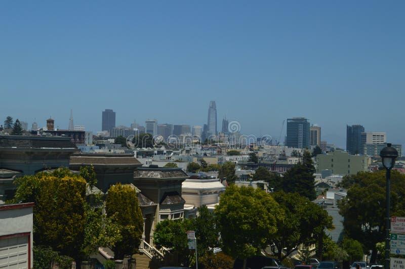 Viste ardue dell'orizzonte di San Francisco Architettura di feste di viaggio fotografia stock