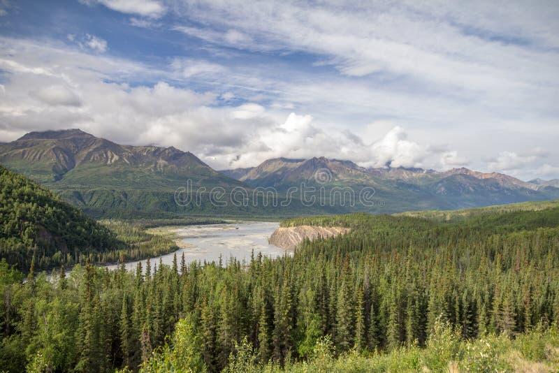 Viste da Glenn Hwy fra Palmer e Glenallen, Alaska immagine stock libera da diritti