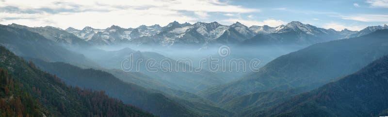 Viste da Moro Rock, parco nazionale della sequoia fotografia stock libera da diritti