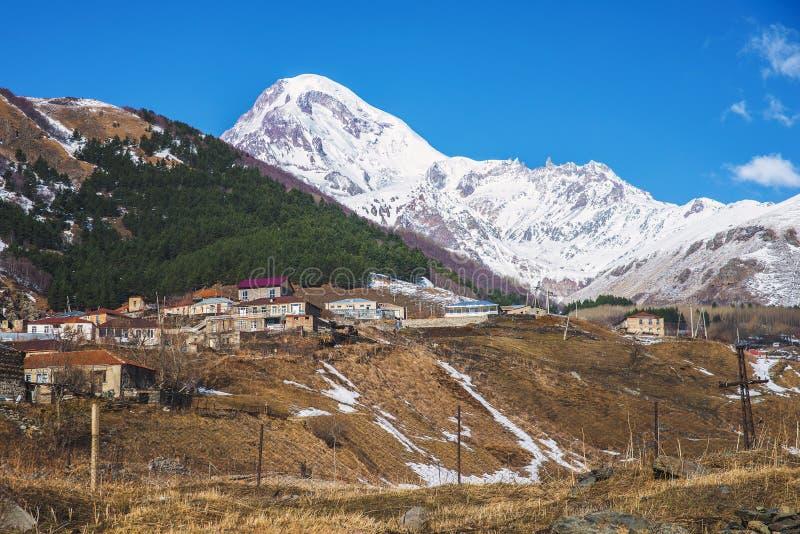 Viste del supporto Kazbek fotografie stock