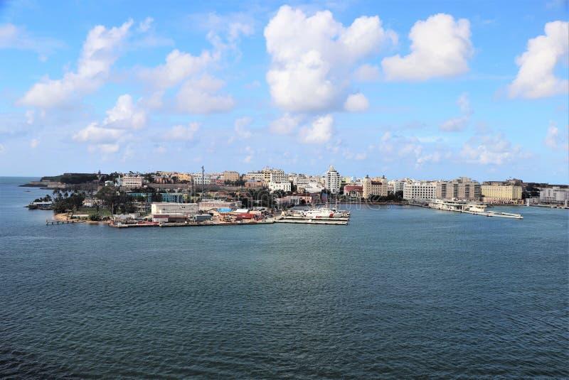 Viste della città e della linea costiera lungo vecchio San Juan, Porto Rico fotografie stock