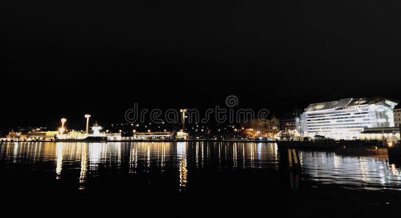 Viste di notte di Helsinki immagine stock libera da diritti