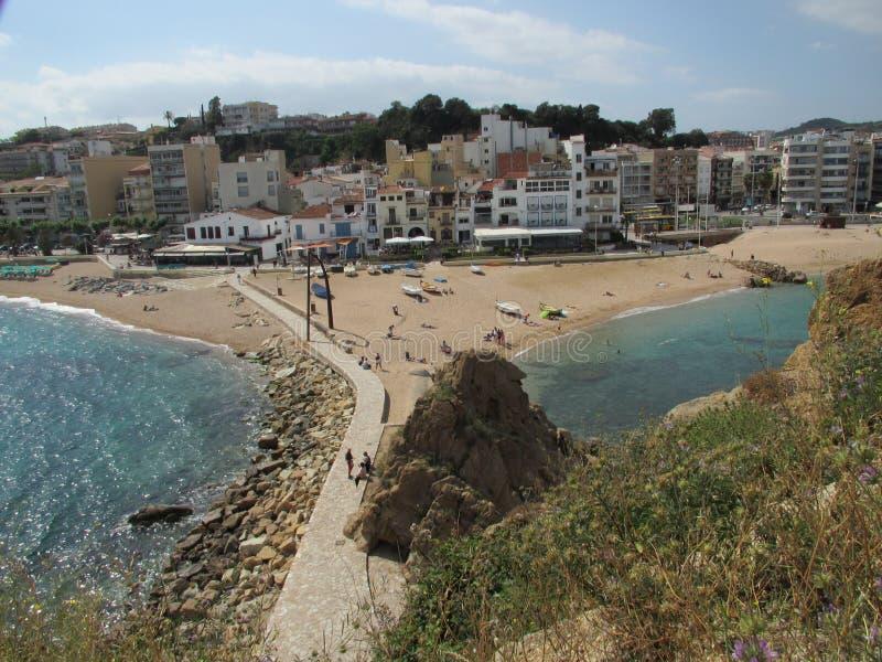 Viste di stupore delle spiagge e degli hotel di Barcellona immagini stock