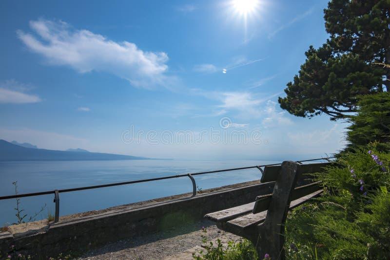 Viste idilliache del lago di Ginevra immagine stock libera da diritti