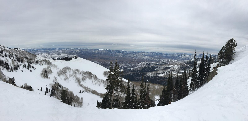 Viste maestose di inverno intorno a Wasatch Front Rocky Mountains, Brighton Ski Resort, vicino alla valle di Heber e di Salt Lake immagine stock libera da diritti