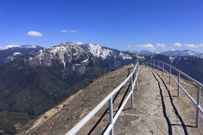 Viste panoramiche da Moro Rock nel parco nazionale della sequoia, California fotografia stock libera da diritti