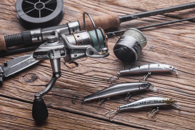 Vistuig voor het vangen van roofzuchtige vissen Wobblers, het spinnen, spoel, vislijn stock foto