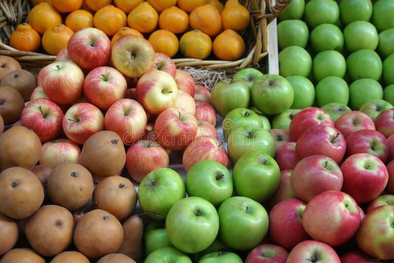 Visualización de la mercado de la fruta foto de archivo