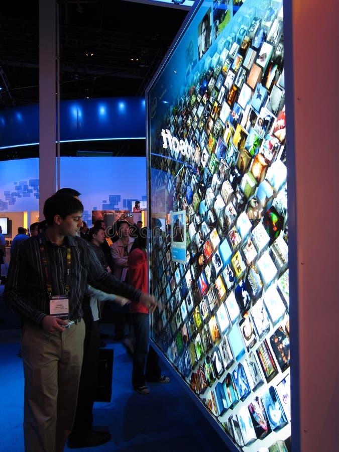 Visualización de la pantalla táctil de Intel en CES 2010 fotografía de archivo libre de regalías