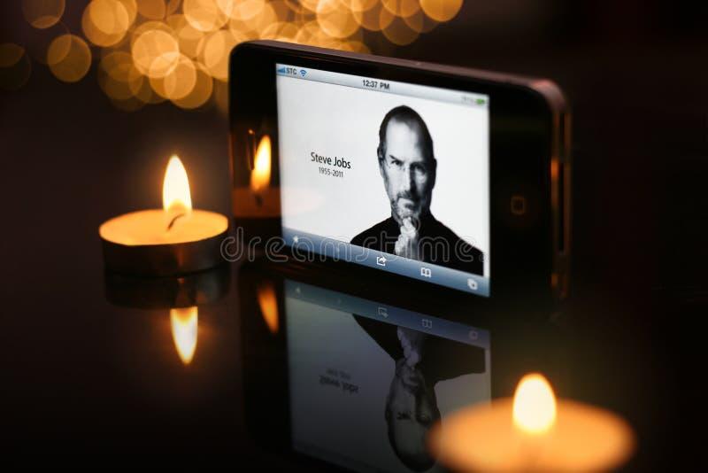 Visualizaciones de STEVE JOBS en el homepage de Apple foto de archivo