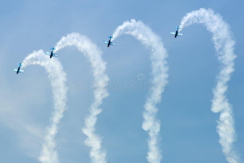 Visualizzazione aerobatic delle lamierine fotografie stock libere da diritti