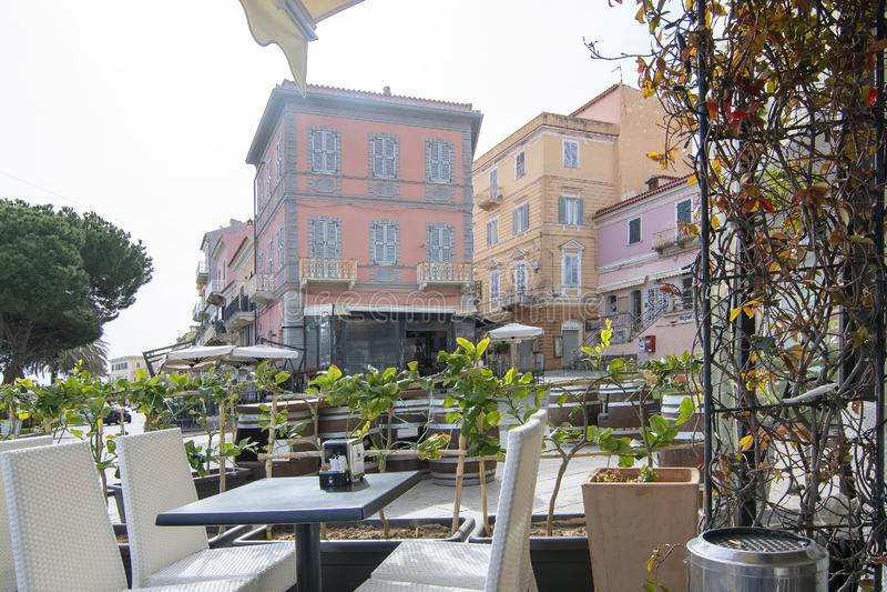 Visualizzazione dal ristorante nell'area di porta in La Maddalena Sardinia Italy immagini stock libere da diritti
