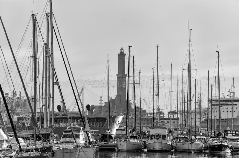 Visualizzazione del faro di Lanterna nella porta della città di Genova, il simbolo della città, Italia immagine stock