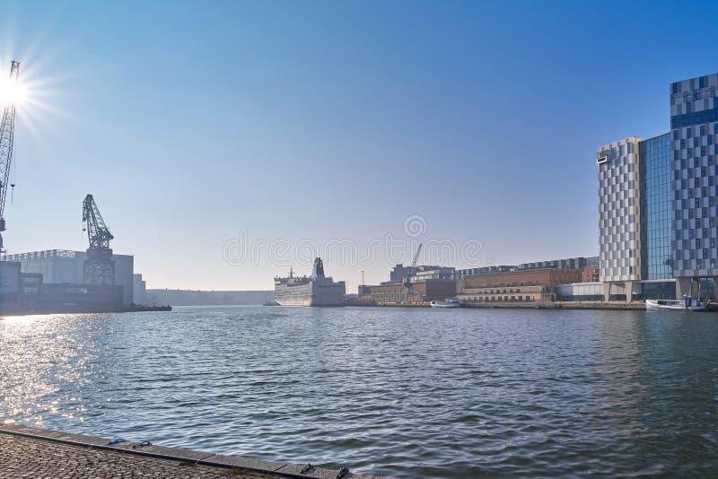 Visualizzazione della porta molare a Helsinki, Finlandia su una mattina soleggiata fotografia stock