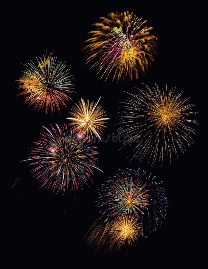Visualizzazione festiva dei fuochi d'artificio immagini stock libere da diritti