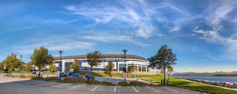 Visualizzazione panoramica del Aker Stadion, uno stadio di football americano alla porta di Molde, Norvegia fotografia stock