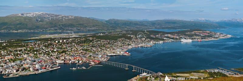 Visualizzazione panoramica di Tromso e della sua porta, Norvegia fotografie stock