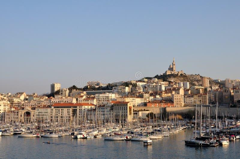 Visualizzazione panoramica sulla vecchia porta di Marsiglia immagini stock libere da diritti