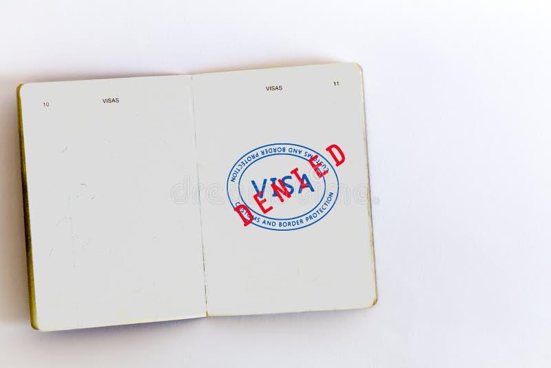 Visum medgiven stämpel i pass fotografering för bildbyråer