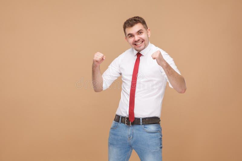 Vitória do júbilo do homem de negócios da felicidade fotografia de stock royalty free