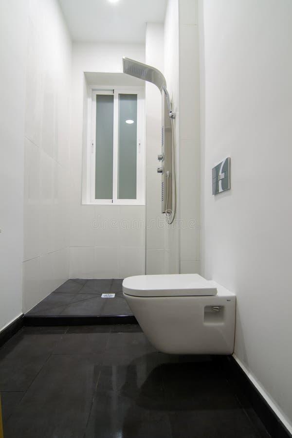 Vit badrum fotografering för bildbyråer