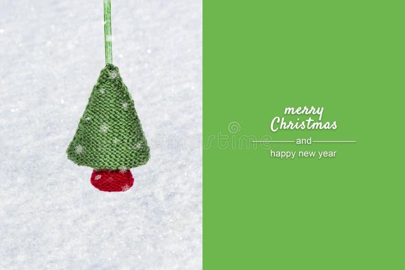 Vit bakgrund för jul med granträdet Sikt med kopieringsutrymme Begreppet semestrar symbolet för glad jul, nytt år arkivbild