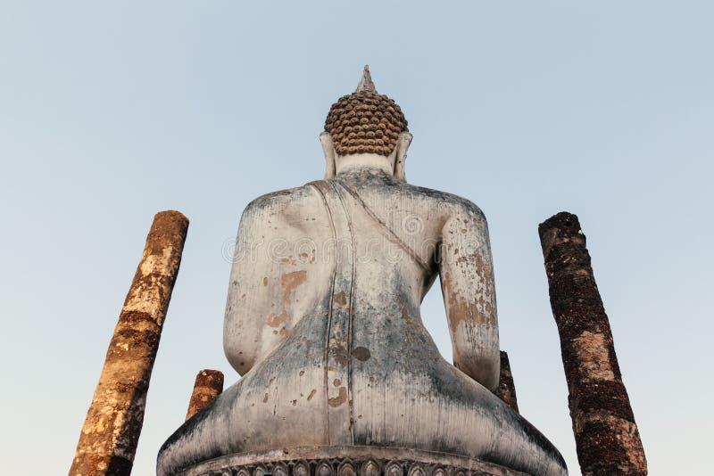 Vit Buda staty royaltyfri fotografi