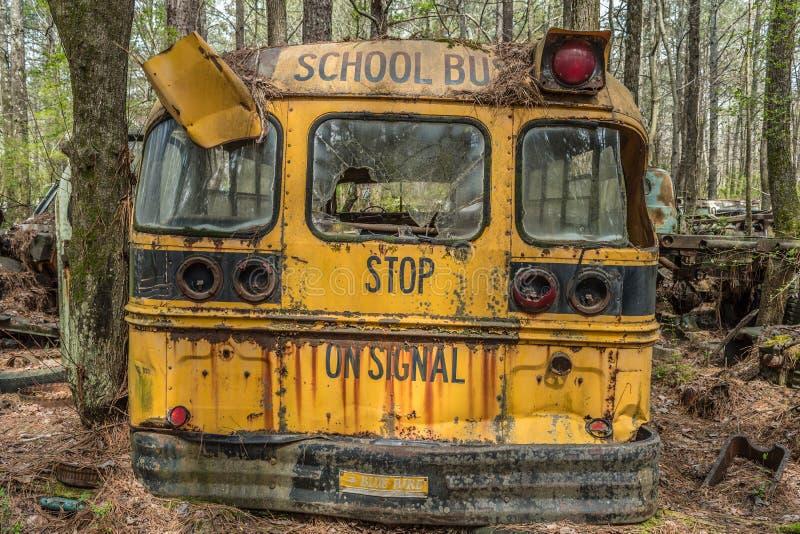 Vit gammal skolbuss Georgia/USA-3/28/18 royaltyfria foton