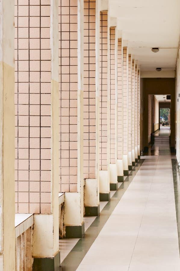Vit korridor royaltyfria bilder