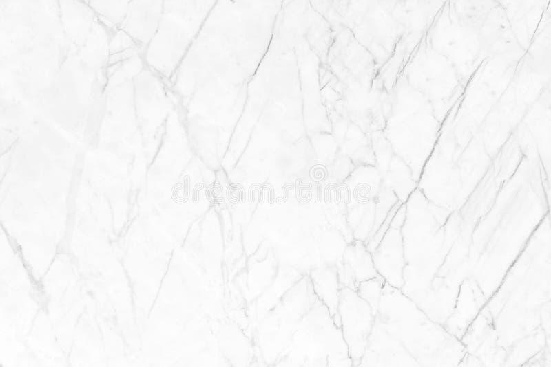 Vit marmor med naturliga modeller som används för bakgrunden arkivbilder