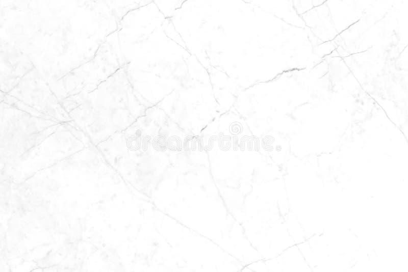 Vit marmor med naturliga modeller som används för bakgrunden royaltyfri bild