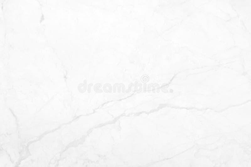 Vit marmor med naturliga modeller som används för bakgrunden arkivfoto