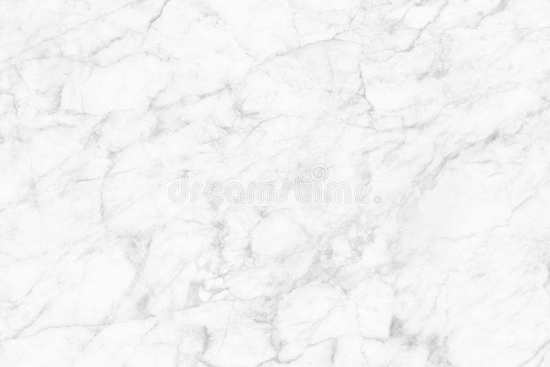 Vit marmortextur, detaljerad struktur av marmor i naturligt mönstrat för bakgrund och design royaltyfria foton