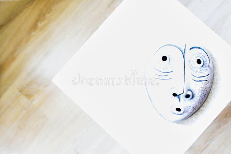 Vit maskerar arkivfoton