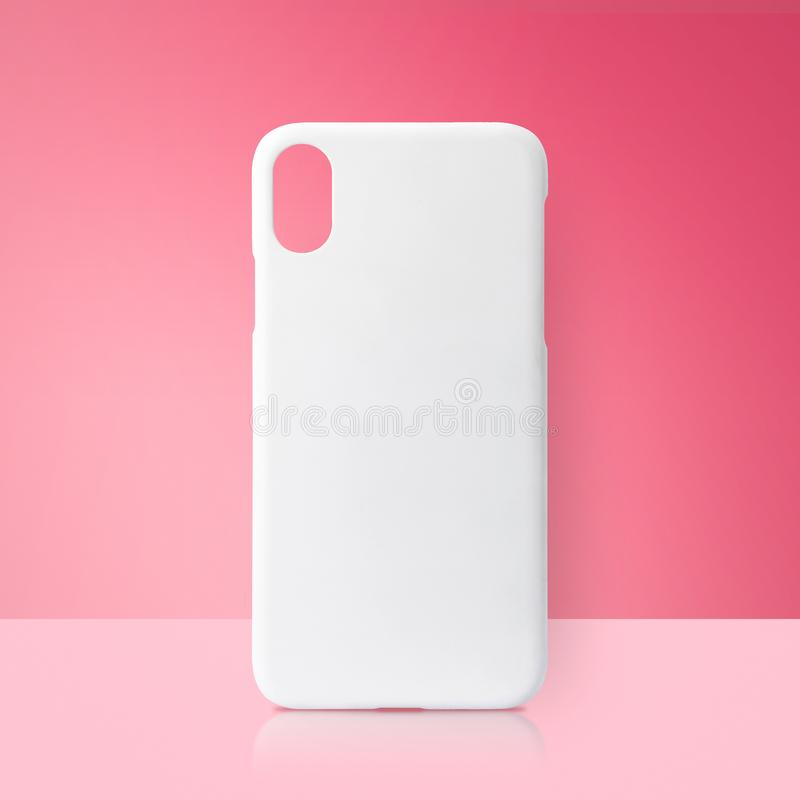 Vit mobil räkning på rosa bakgrunder Tomt telefonfall f?r utskrift royaltyfri foto