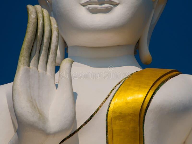 Vit och guld- stora buddha lift2 arkivbilder
